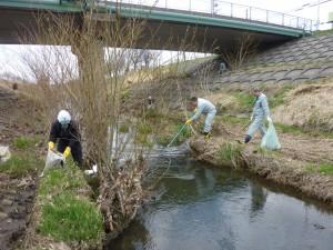 恒例の琴似川清掃を実施いたしました。